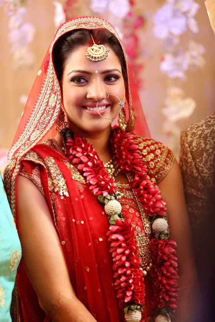 Suresh Raina, Suresh Raina Wedding, Suresh Raina Wedding - Suresh Raina Ki Wife , HD Wallpaper & Backgrounds