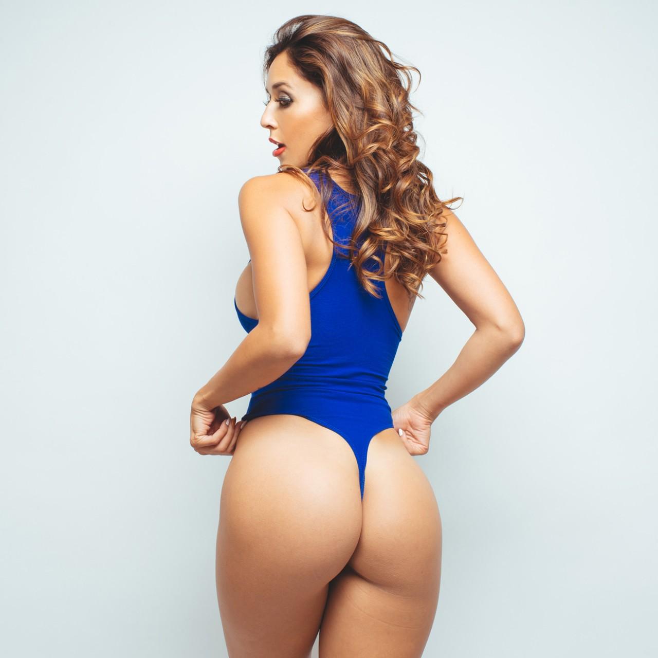 Dsc - Tianna Gregory Hot Ass , HD Wallpaper & Backgrounds