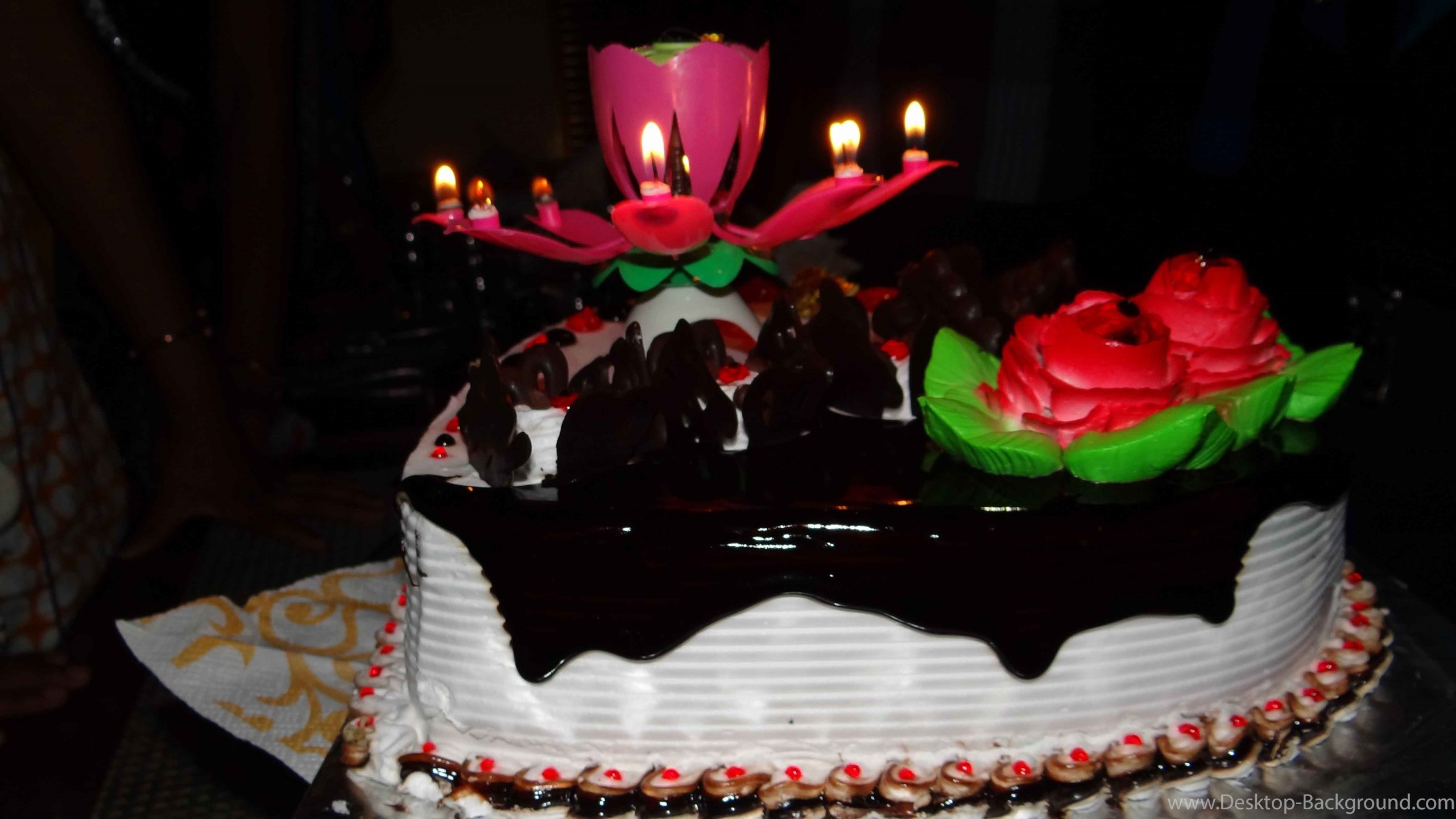 Popular - Latest New Birthday Cake , HD Wallpaper & Backgrounds