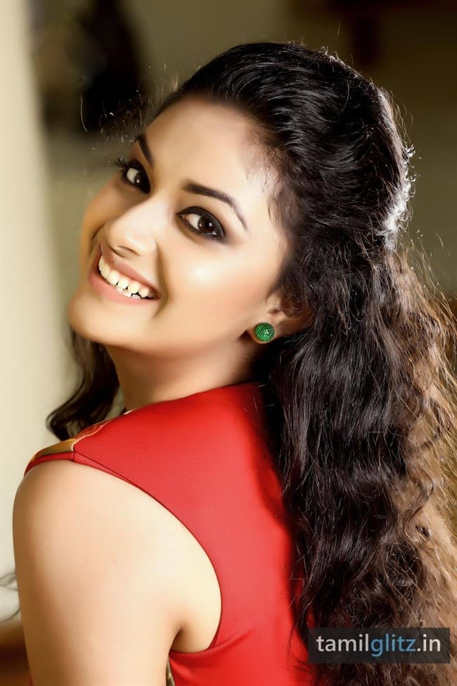 Keerthi Suresh Photos Hd Images - Keerthi Suresh , HD Wallpaper & Backgrounds
