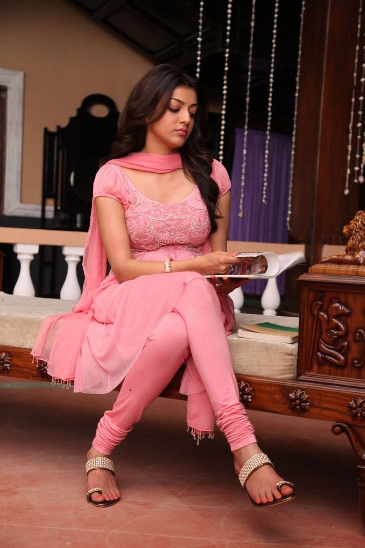 Free Download Kajal Agarwal Latest Photos In Pink Long - Kajal Agarwal In Indian Soldier Never On Holiday , HD Wallpaper & Backgrounds