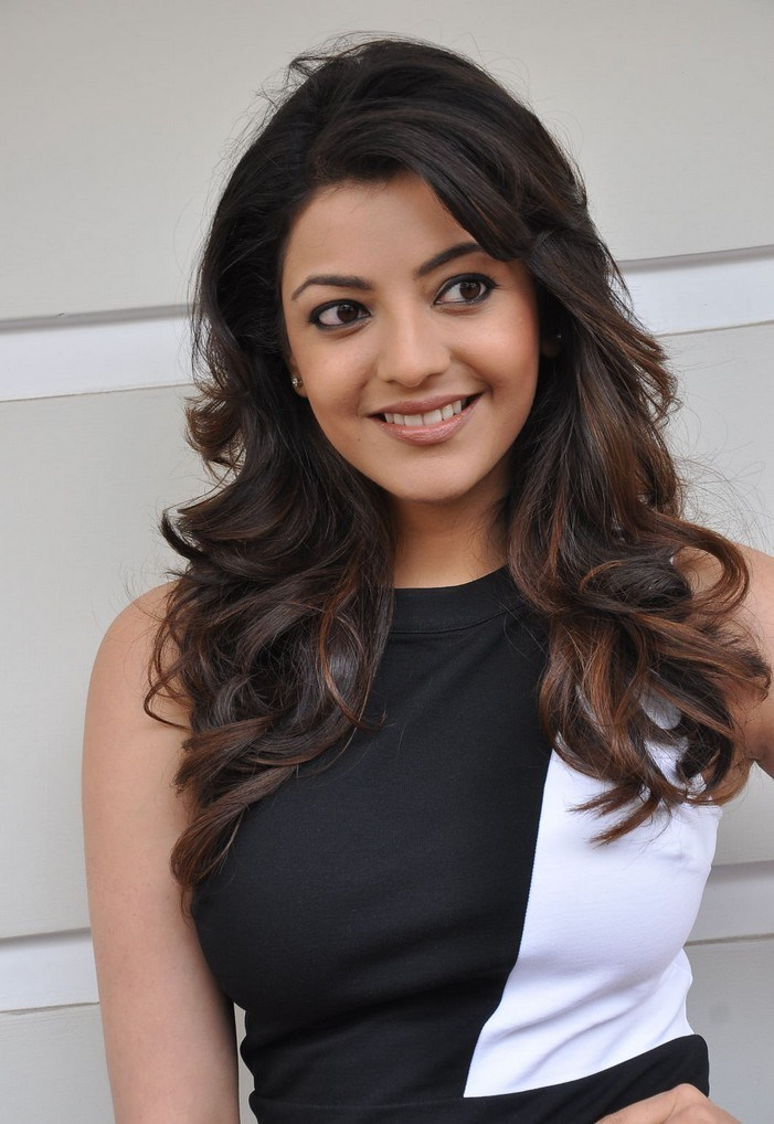 Kajal Aggarwal Hd Wallpaper - Kajal Agarwal Big Breast , HD Wallpaper & Backgrounds