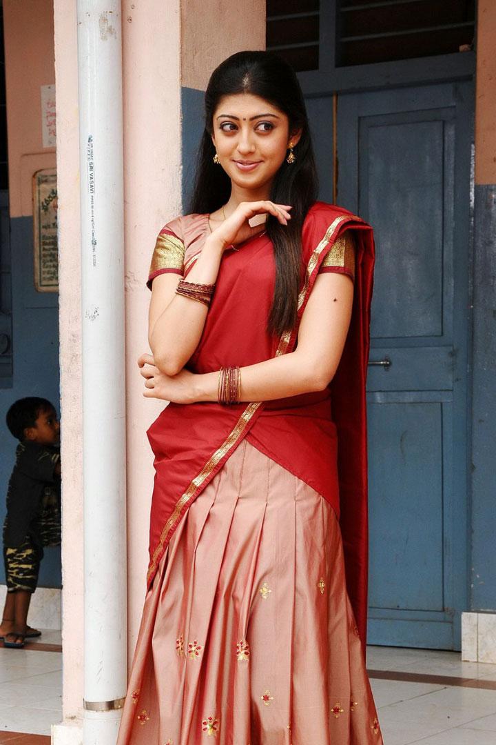 Pranitha Hq Wallpapers Pranitha Bava Movie Stills Pranitha Actress Half Saree 661369 Hd Wallpaper Backgrounds Download