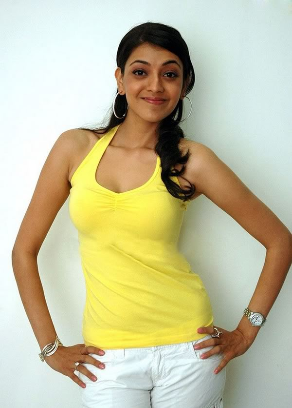 Kajal Agarwal Hot In Yellow Dress Other Students Hang - Kajal Agarwal Without Make Up , HD Wallpaper & Backgrounds