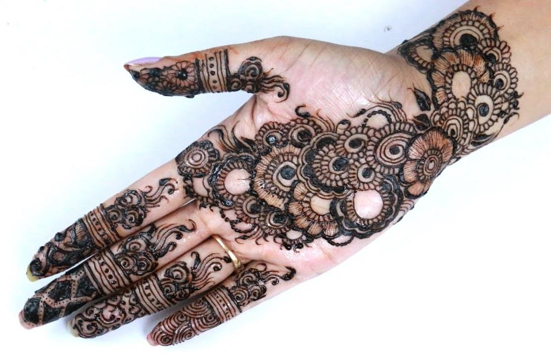 Wallpaper Arabic Design - Simple Best Front Hand Mehndi Design , HD Wallpaper & Backgrounds