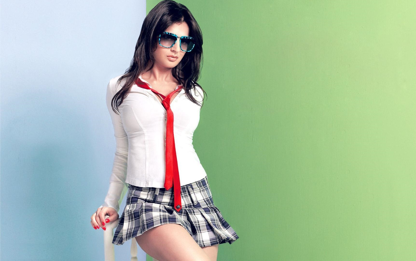 Ameesha Patel Hot Sexy Photos download original - amisha patel hot images hd (#668706