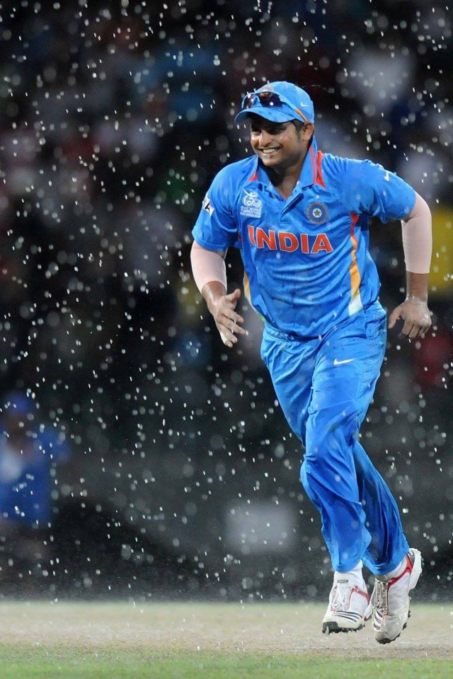 Suresh Raina Indian Batsman Criketer In Ground During - Full Hd Suresh Raina Hd , HD Wallpaper & Backgrounds