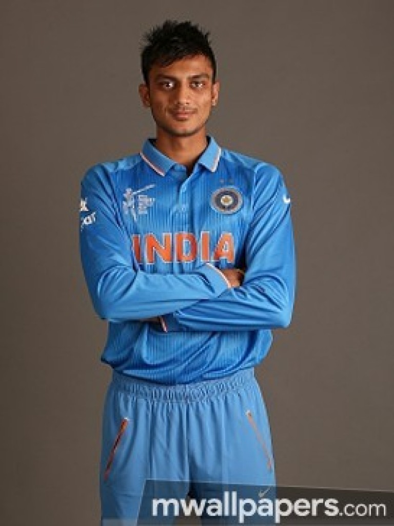 You Can Choose Your Mobile Phone Model Using The Menu - Axar Patel Hd , HD Wallpaper & Backgrounds
