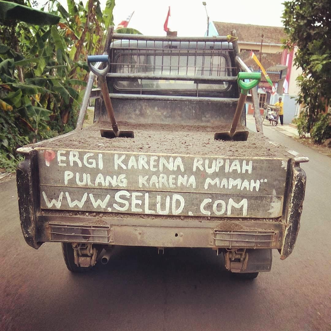 Mobil Lucu Bikin Ngakak HD Wallpaper