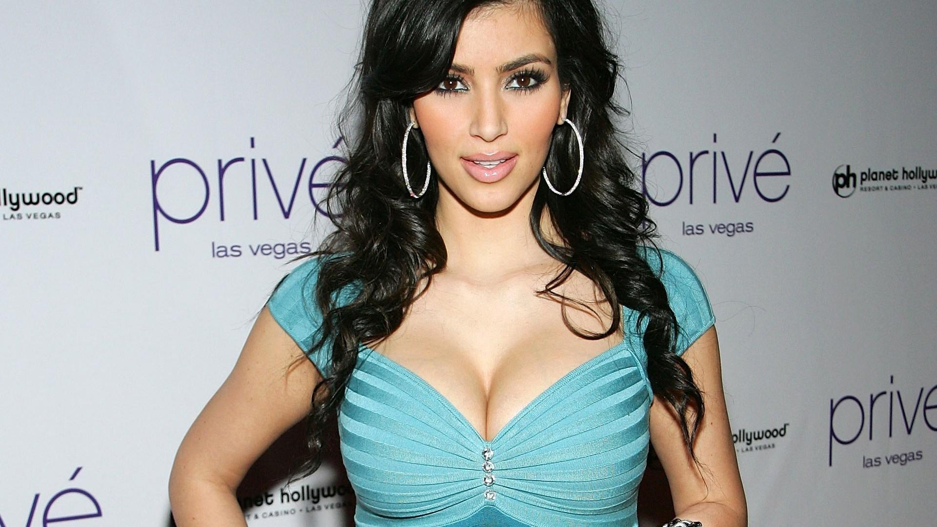 Kim Kardashian Hot Girl Hd Wallpaper Kim Kardashian 737103