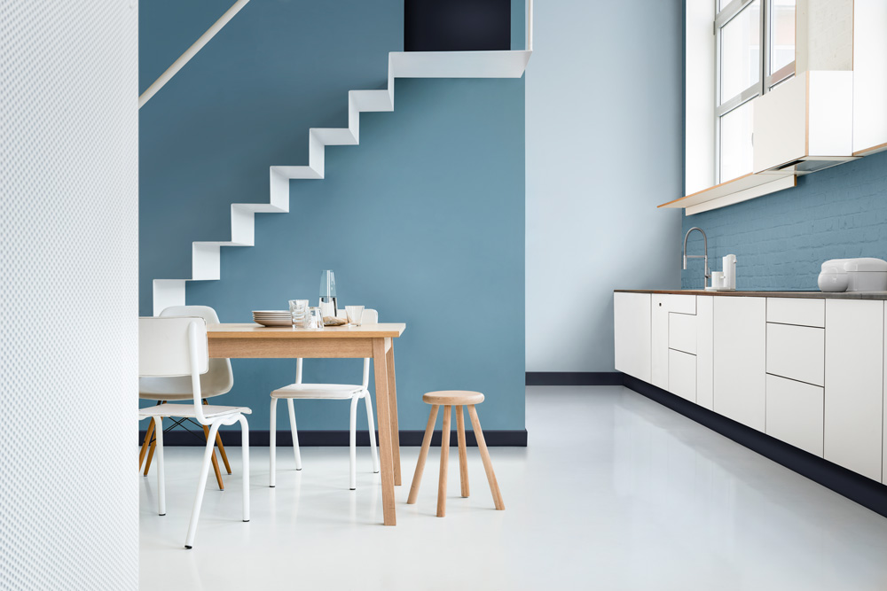 Ruang Makan Warna Cat Biru Dan Putih Dulux Stonewashed Blue
