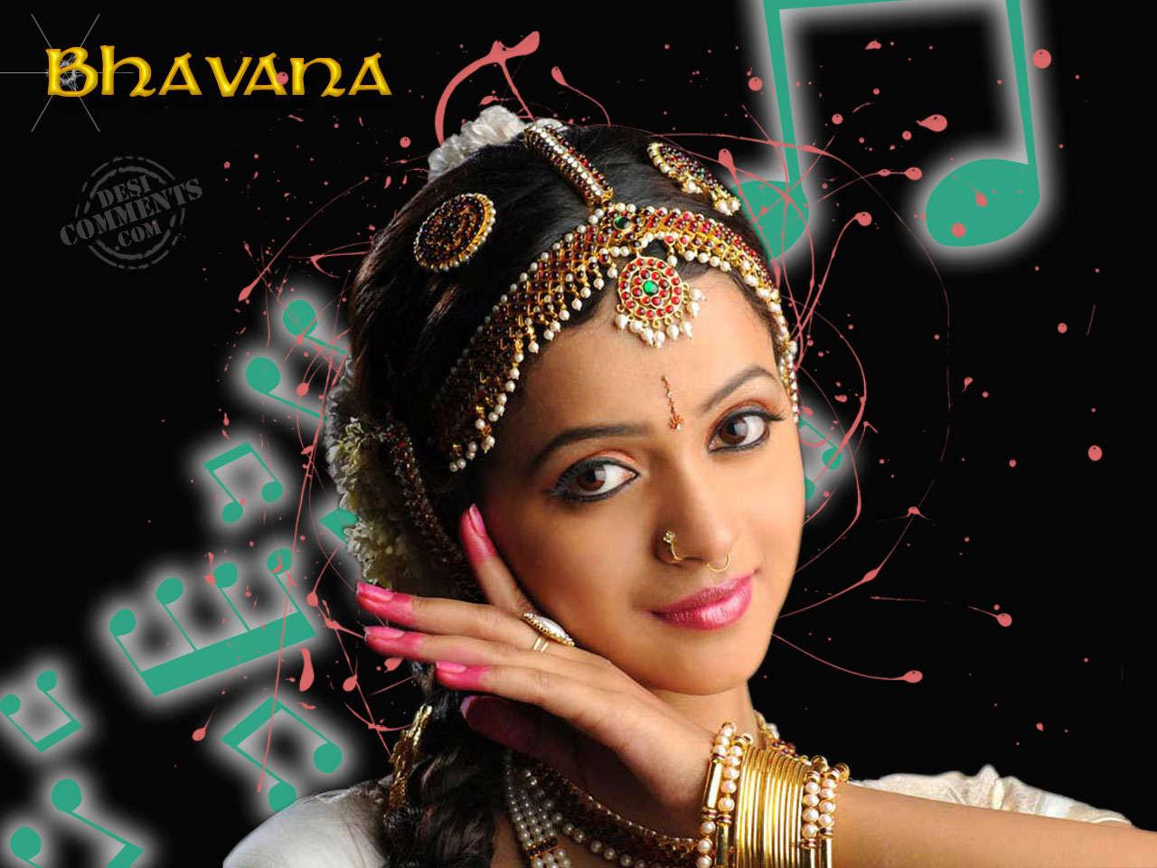 Celebrity Ileana D'cruz - Actress Bhavana In Saree , HD Wallpaper & Backgrounds