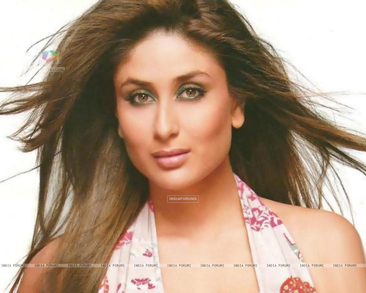 Kareena Kapoor Size - Kareena Kapoor , HD Wallpaper & Backgrounds