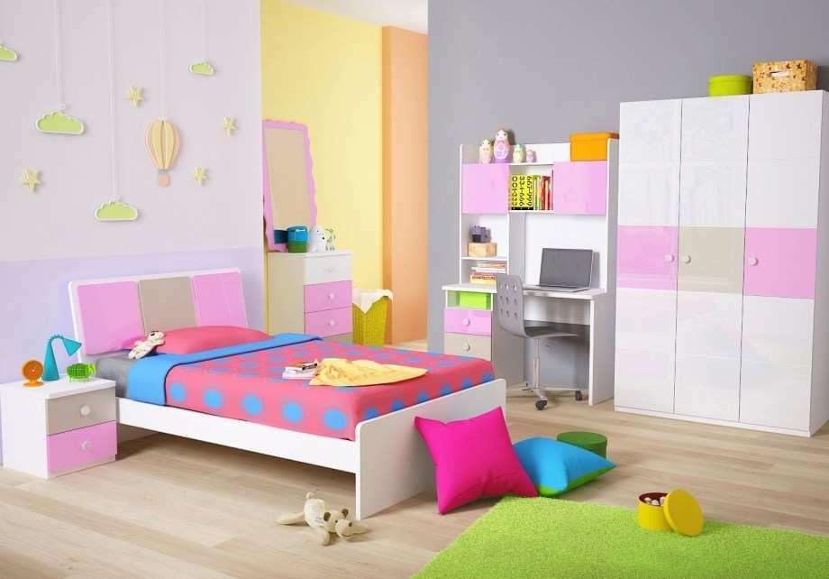 Gambar Wallpaper Dinding Kamar Tidur Anak Motif Doraemon Menata