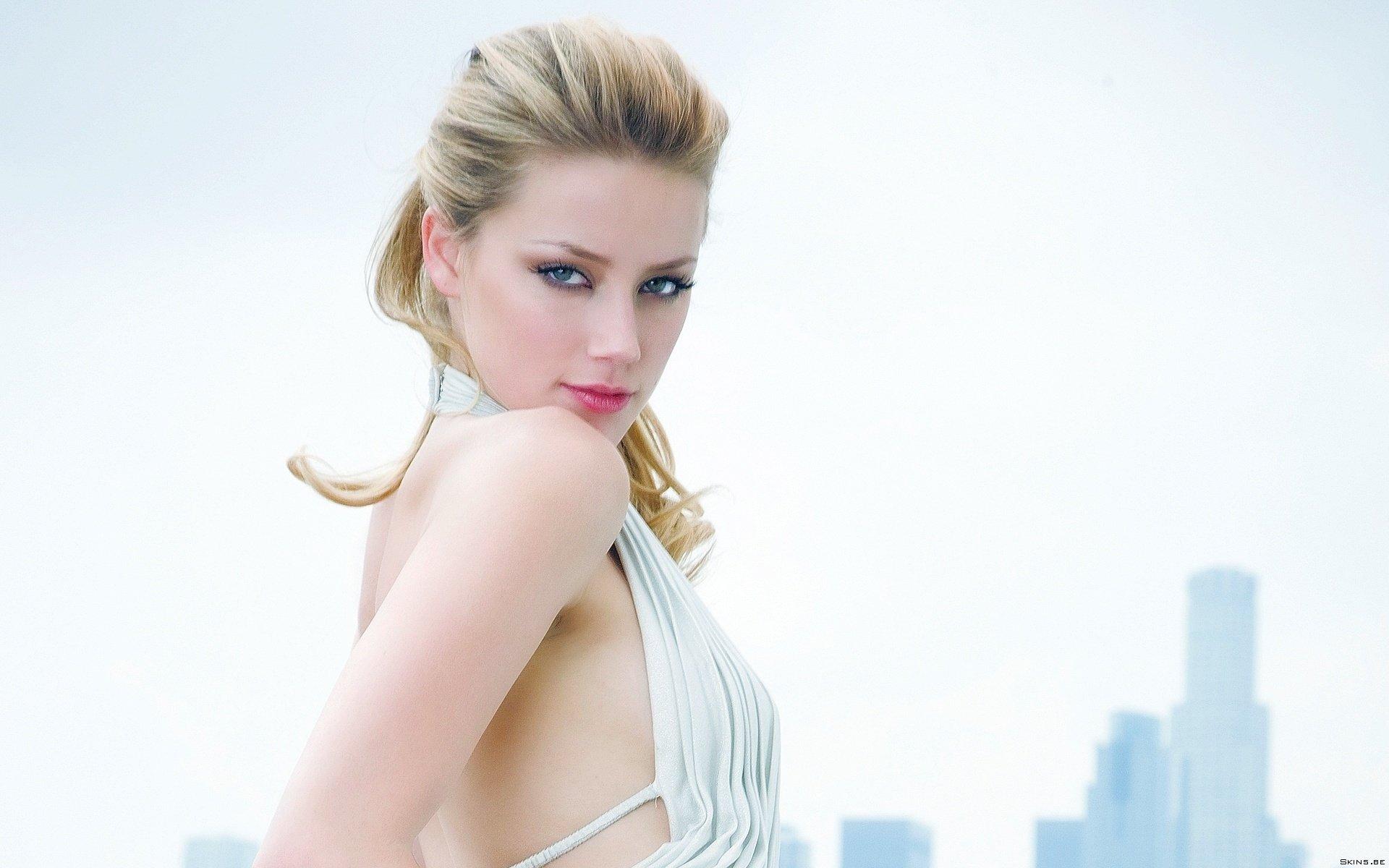 Saxi Wallpaper - Amber Heard , HD Wallpaper & Backgrounds