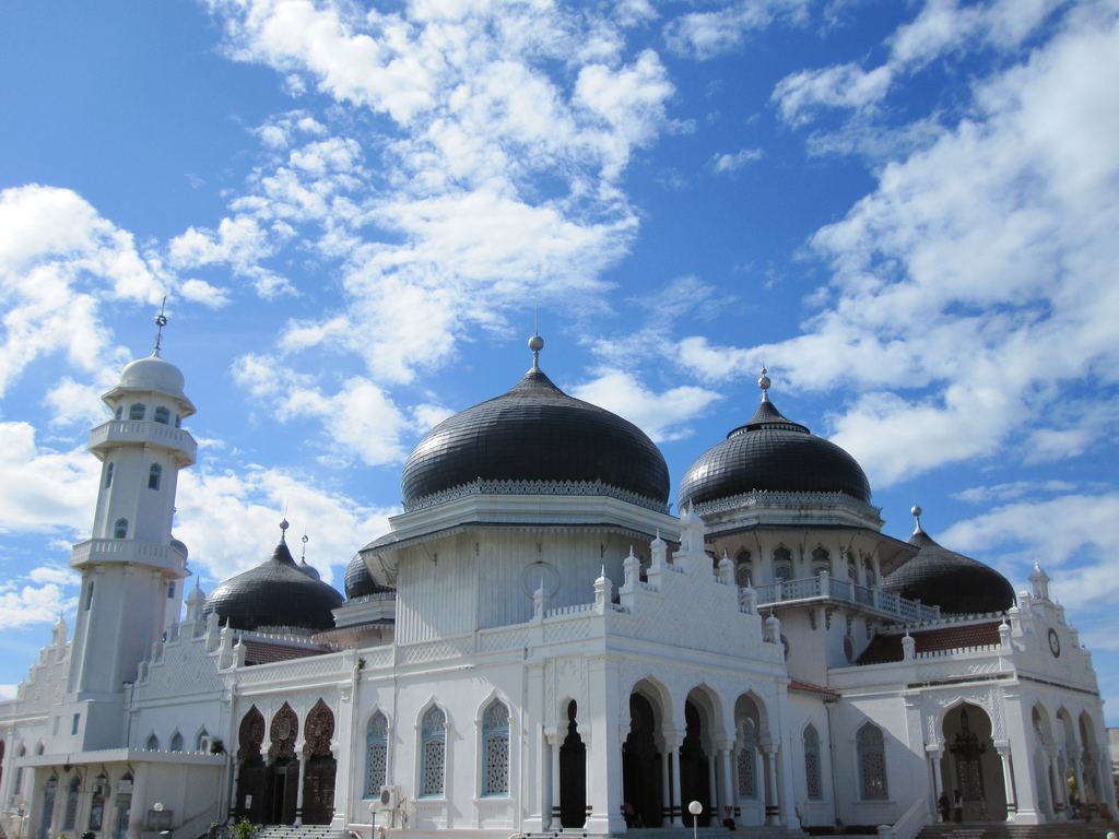 Grand Mosque 835921 Hd Wallpaper Backgrounds Download