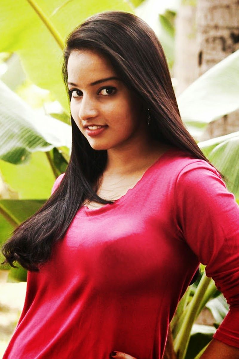 Photo Plus Gold - New Malayalam Actress Hot , HD Wallpaper & Backgrounds