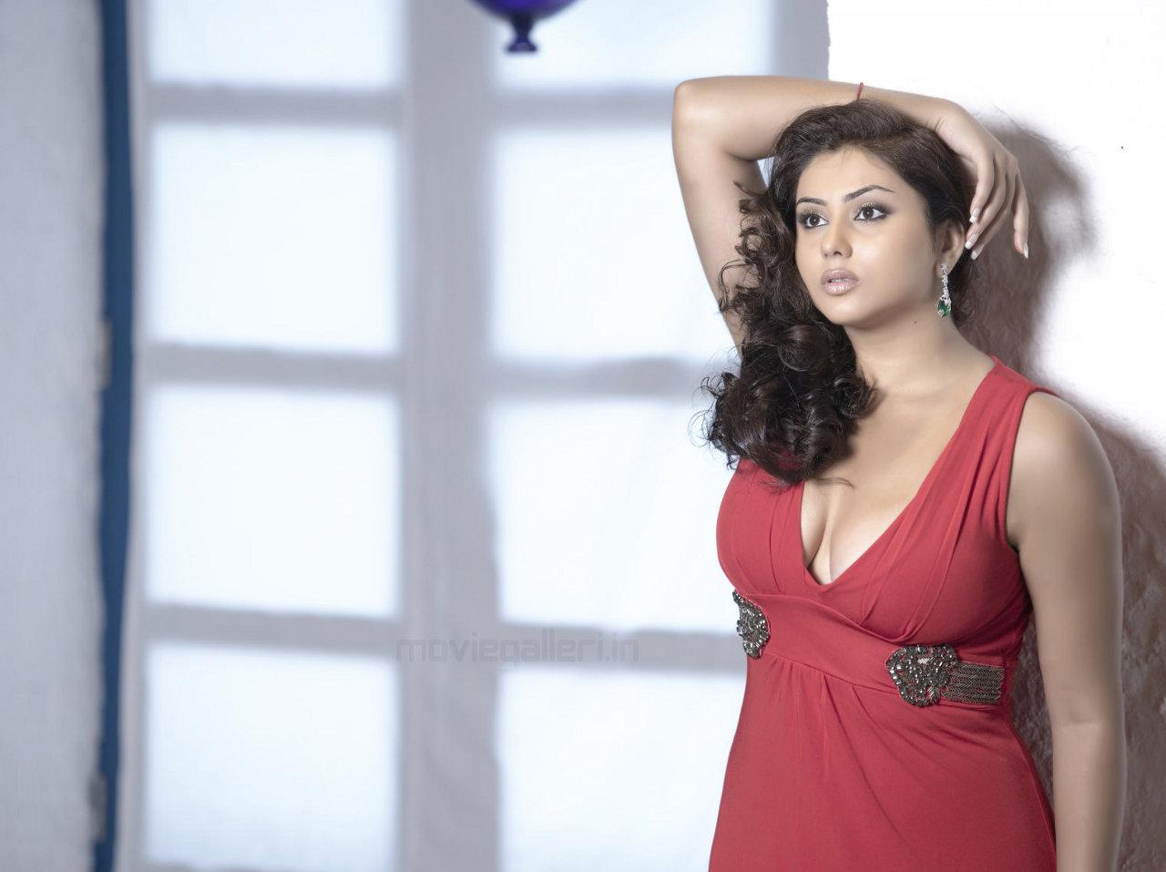 Hd Wallpaper Tamil Actress - Namitha Hot In Saree , HD Wallpaper & Backgrounds