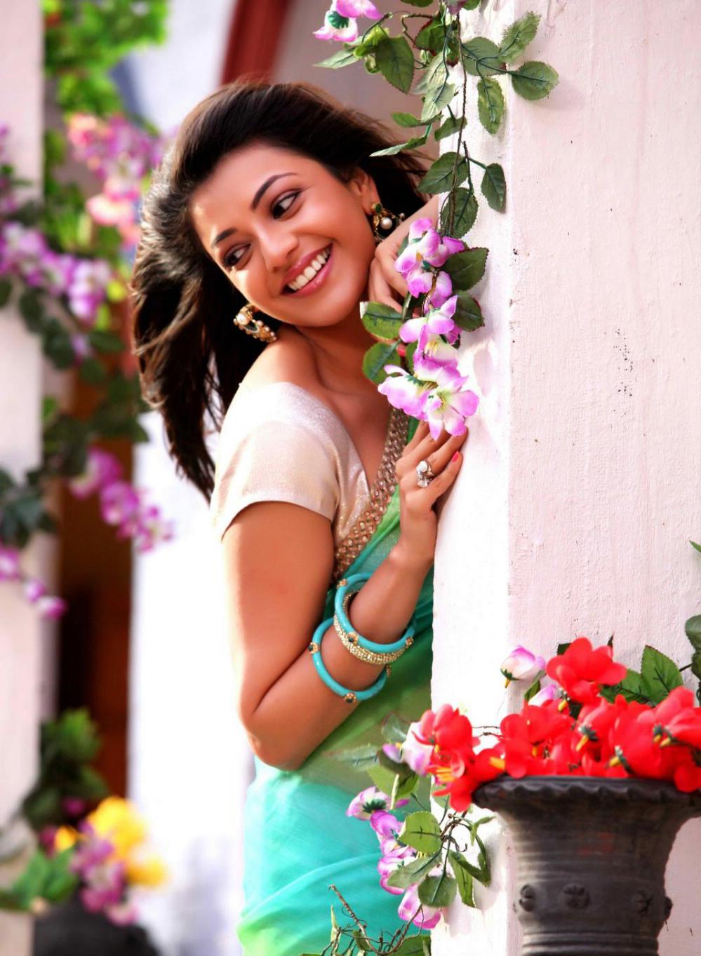 Kajal Agarwal In Jilla 57451 Kajal Agarwal - Kajal Aggarwal , HD Wallpaper & Backgrounds