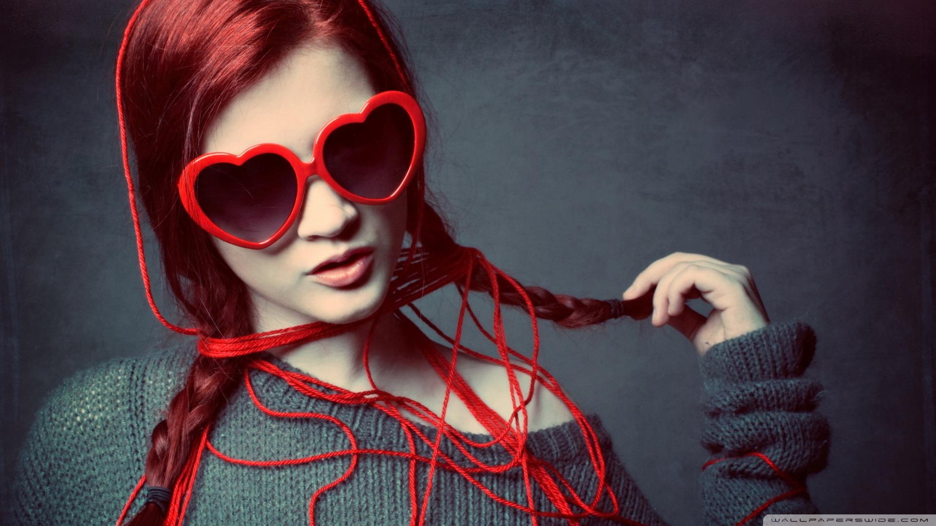 Beautiful Girl Totally In Love 4k Uhd Wallpaper - 4k Wallpaper Girls , HD Wallpaper & Backgrounds