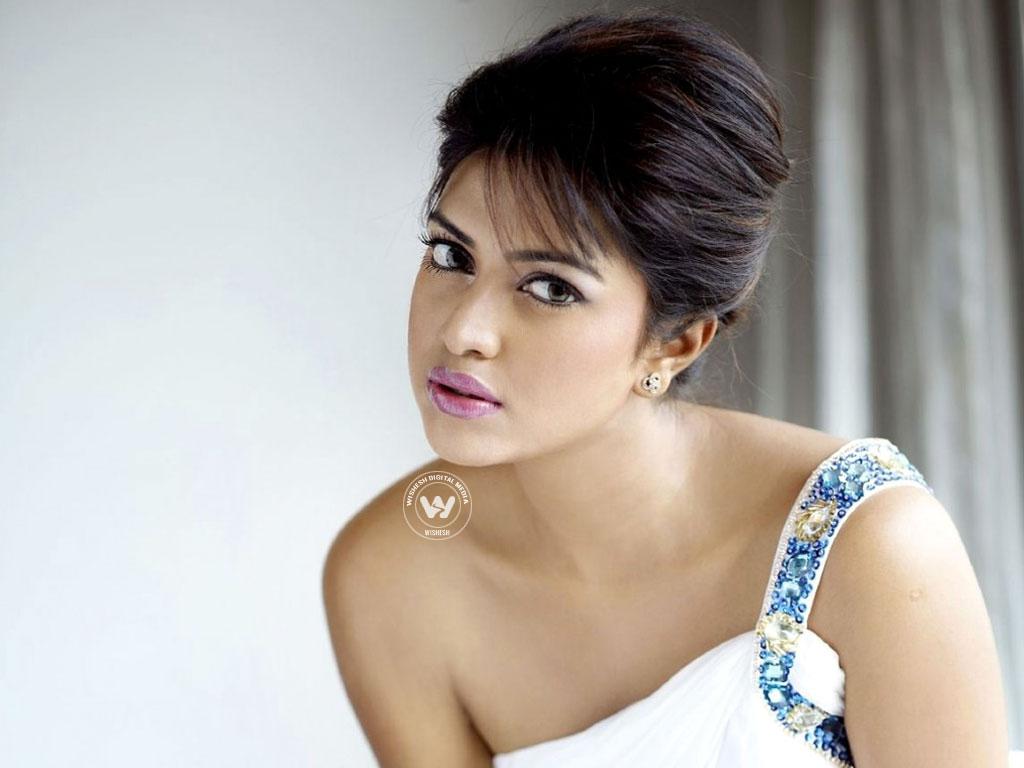 Amala Paul Sex Movie new stylish images of south indian actress amala paul