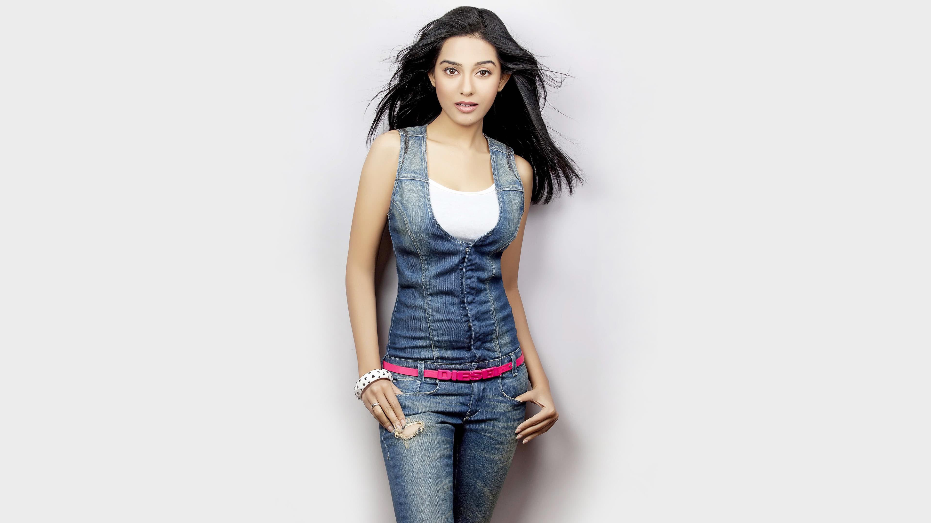 Amrita Rao Photoshoot Uhd 4k Wallpaper - Beautiful Figure Of Indian Girl , HD Wallpaper & Backgrounds