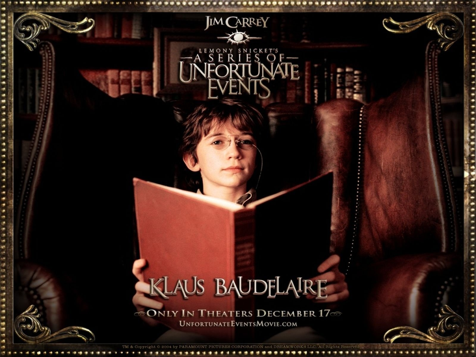 who plays klaus in a series of unfortunate events