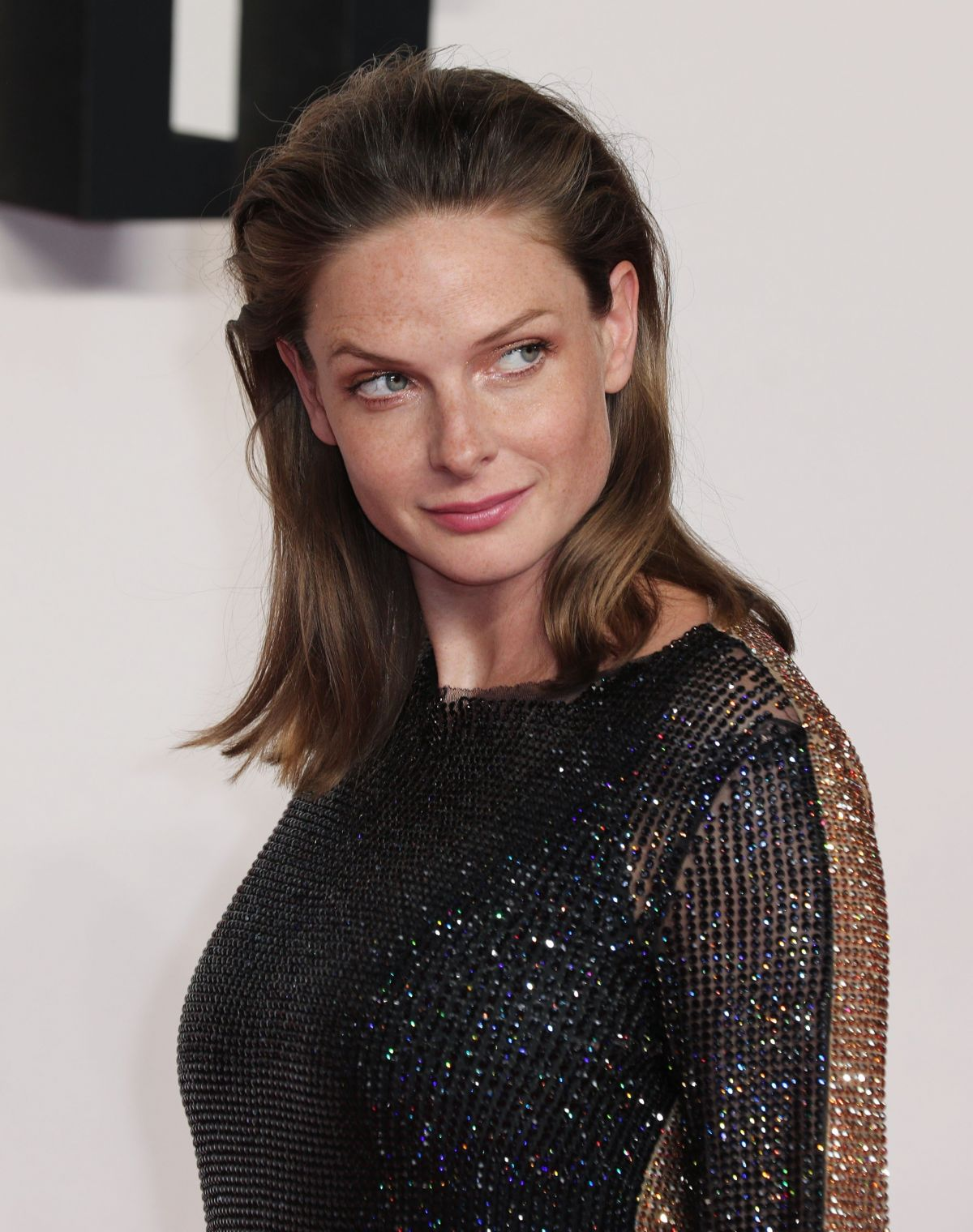 Mi 6 Actress Rebecca Ferguson At Mission Impossible Girl
