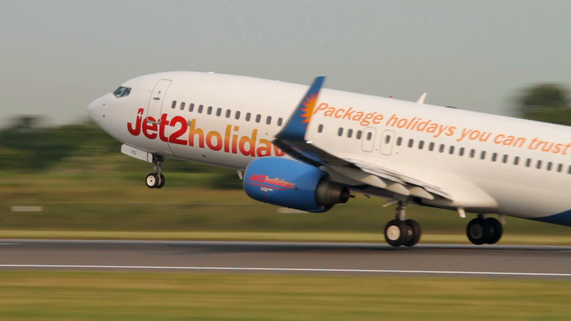 Jet2 Holidays Boeing 737 Taking Off From Manchester - Jet2 1920 X 1080 , HD Wallpaper & Backgrounds